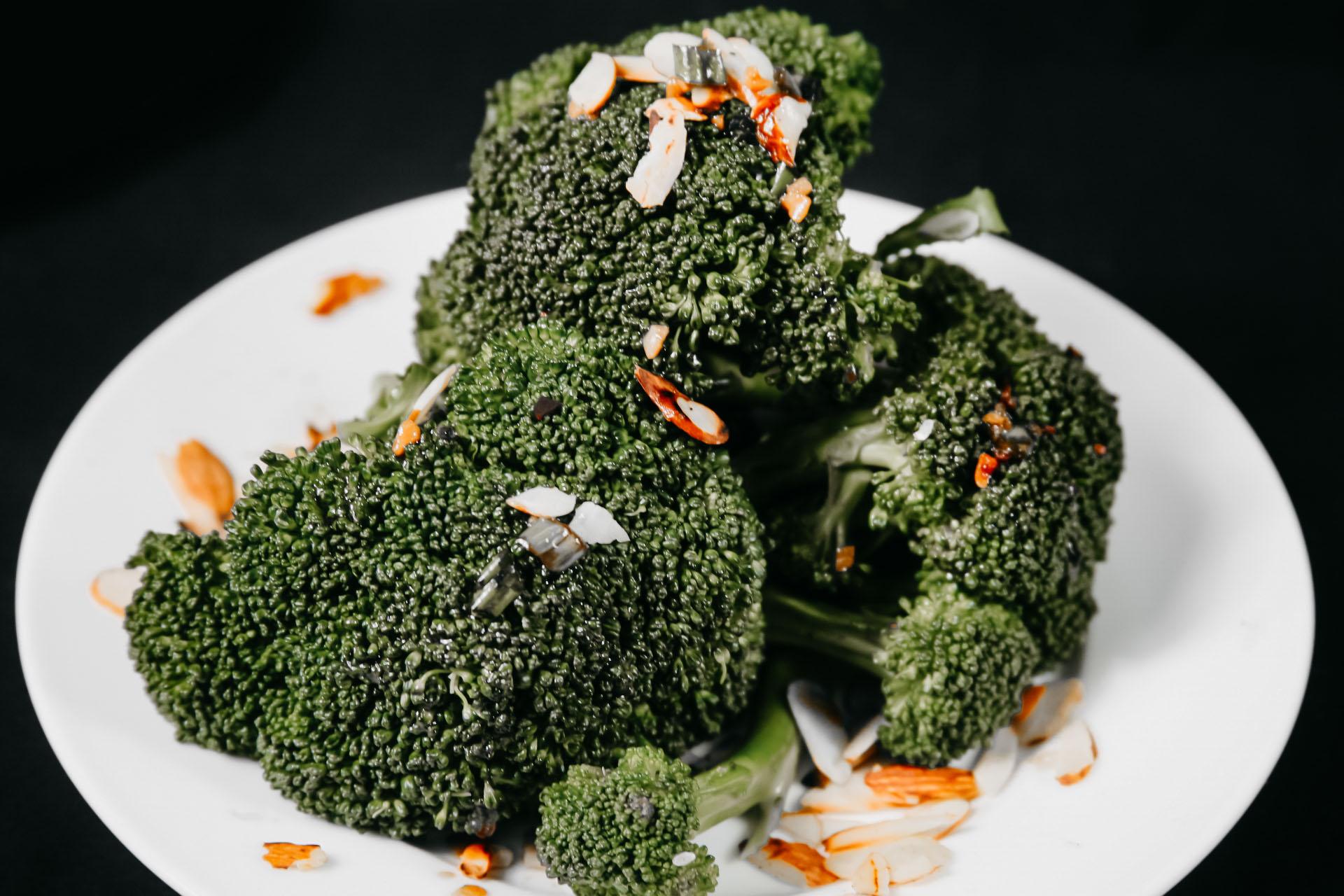Bone Suckin' Steamed Broccoli
