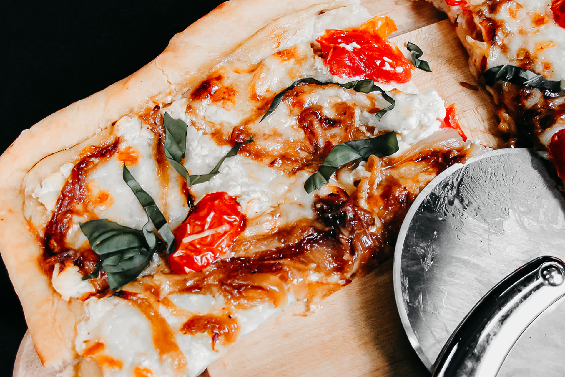 Bone Suckin' Three Cheese Pizza