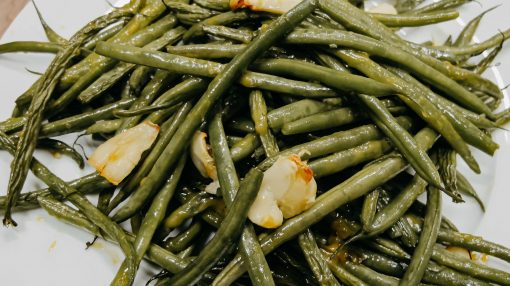 Bone Suckin' Garlic Green Beans